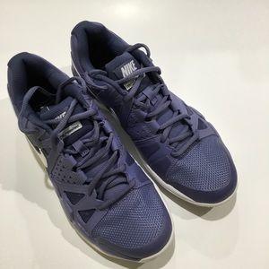 Women's Nike air vapor advantage sz 9  purple